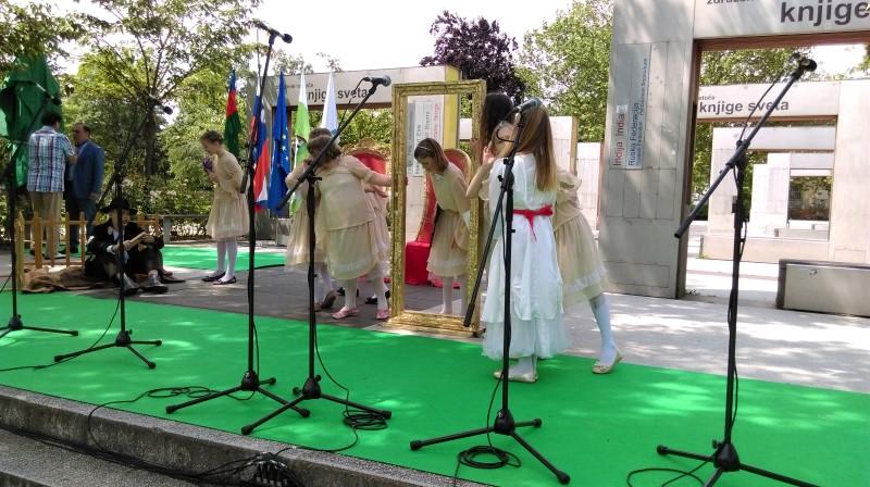 prireditev-rastoca-knjiga-ljubljana-maj-2016-06