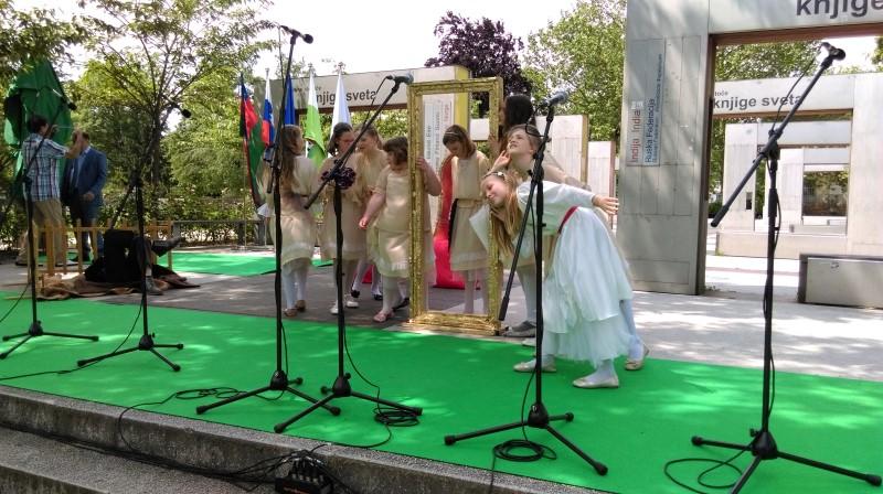 prireditev-rastoca-knjiga-ljubljana-maj-2016-07