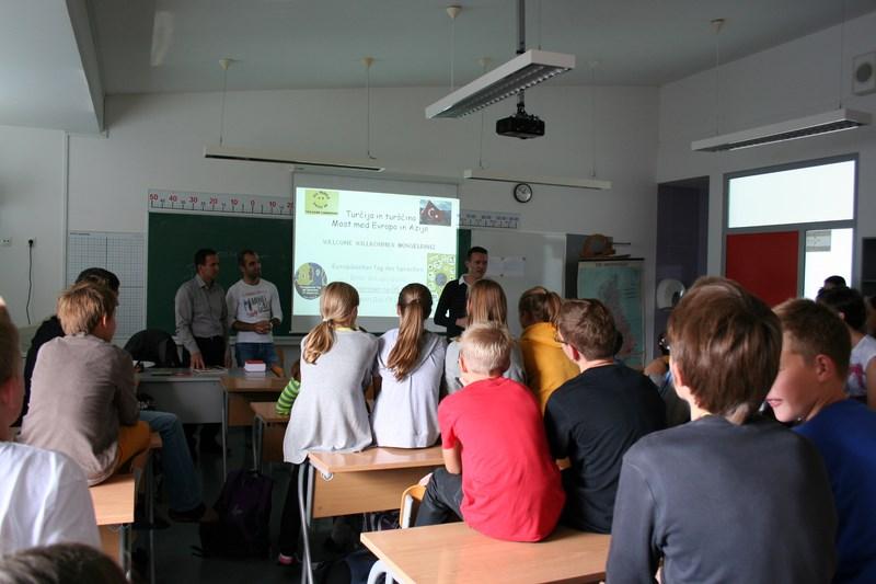 dan-jezikov-obisk-turkov-01